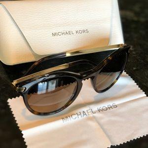 Michael Kors polarized lens